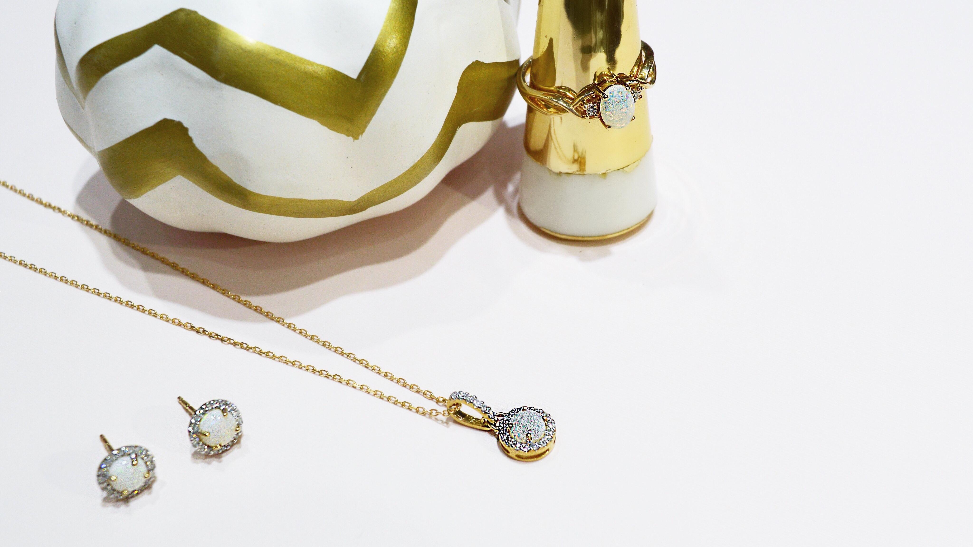 gold-opal-jewelry-set.jpg