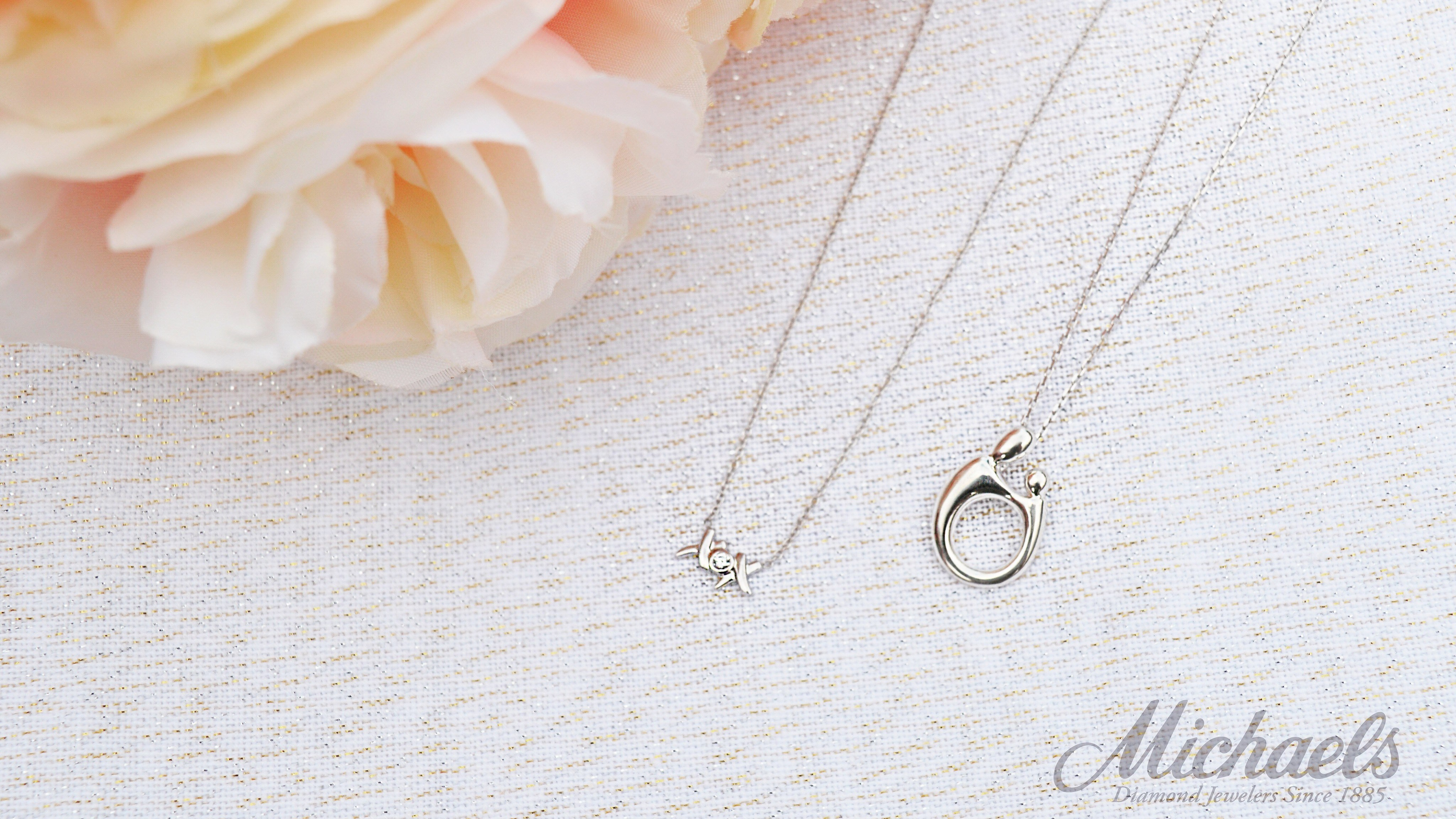 mothers-necklaces-michaelsjewelers-e1522776588828.jpg