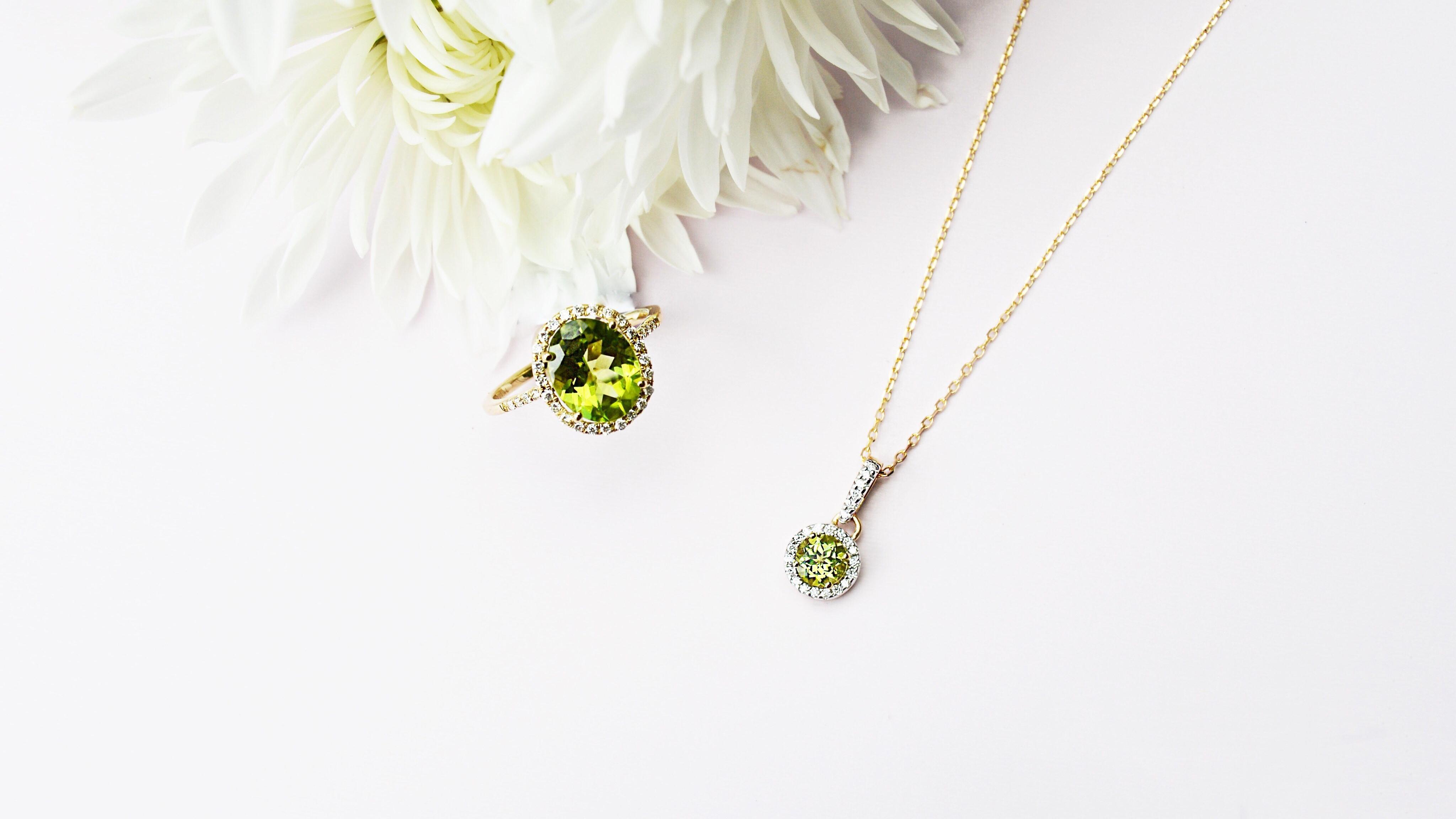 gold-peridot-ring-necklace-michaelsjewelers