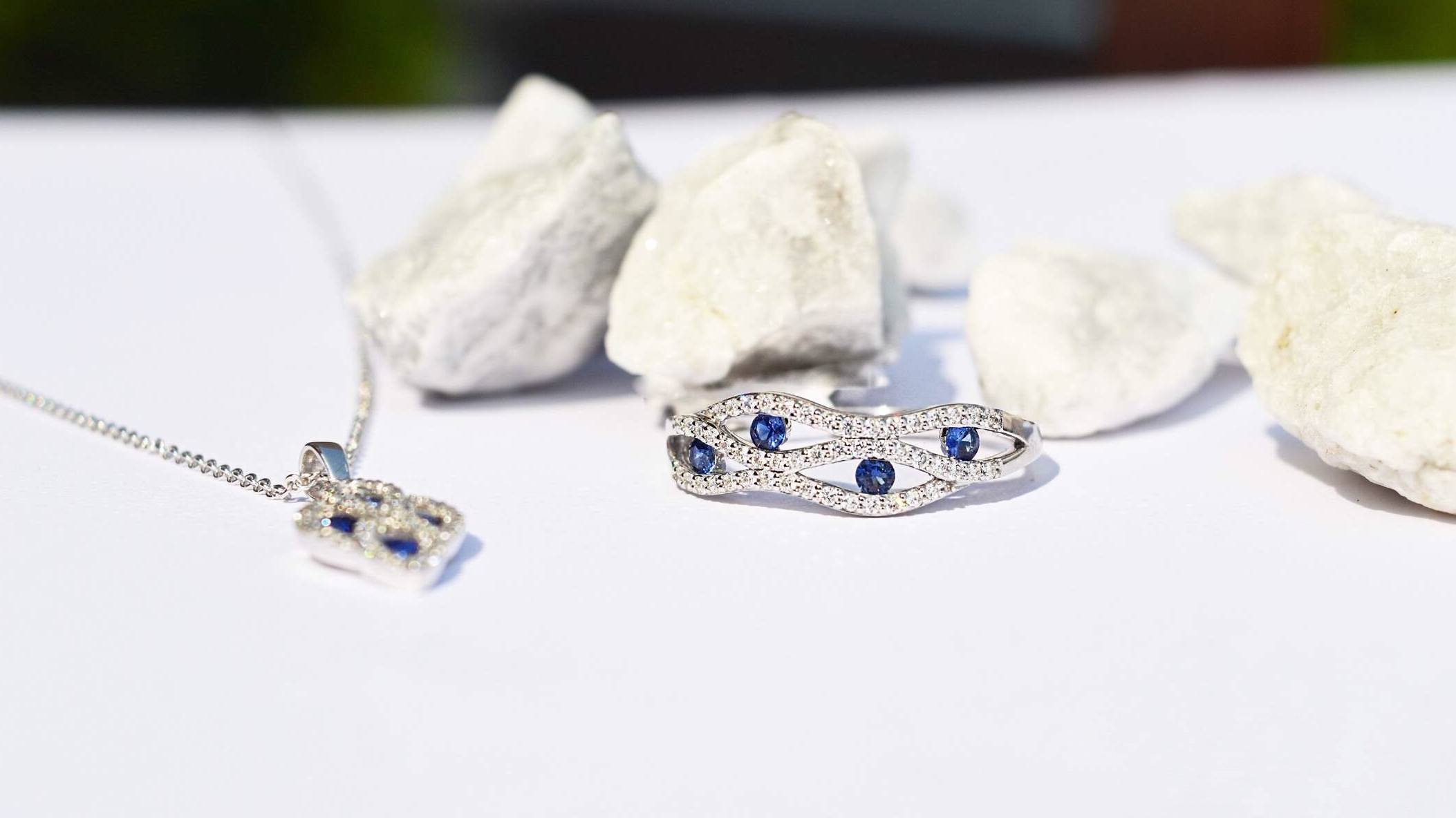 Sapphire-diamond-Ring-blog